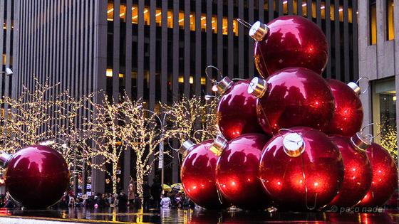 Resultado de imagen de bola de navidad nueva york