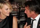Sean Penn y Charlize Theron, primera foto de pareja
