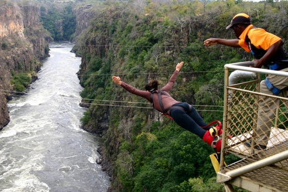 5a1f6156a00a Los 10 saltos de 'puenting' más bestias del mundo | Blog Paco Nadal ...