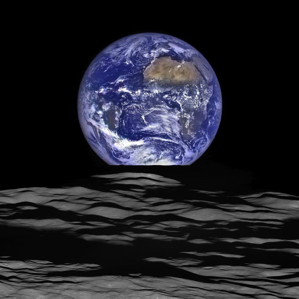 Esta imagen hecha pública este fin de semana por la NASA muestra la Tierra captada desde la Luna por la sonda LRO (Lunar Reconnaissance Orbiter). / NASA/GODDARD/ARIZONA STATE UNIVE (EFE)