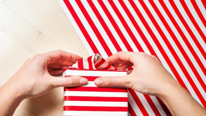 La prodigiosa tcnica japonesa para envolver regalos en 10 segundos