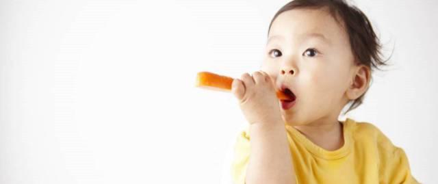 ¿Es peligroso para un niño seguir una dieta vegana?