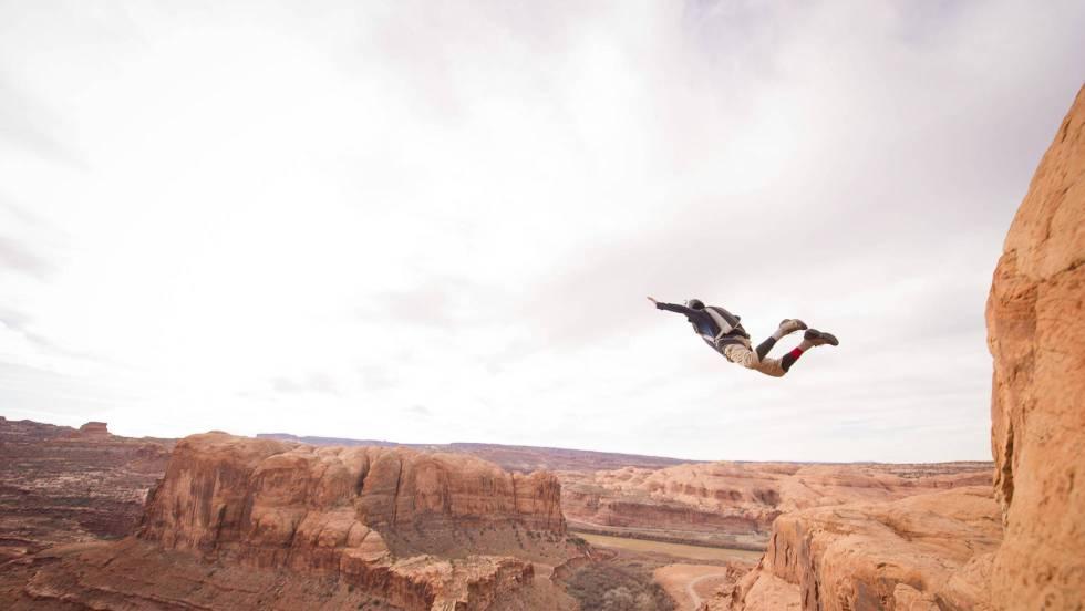 Los humanos siempre hemos querido volar como pájaros: tal vez lo ...