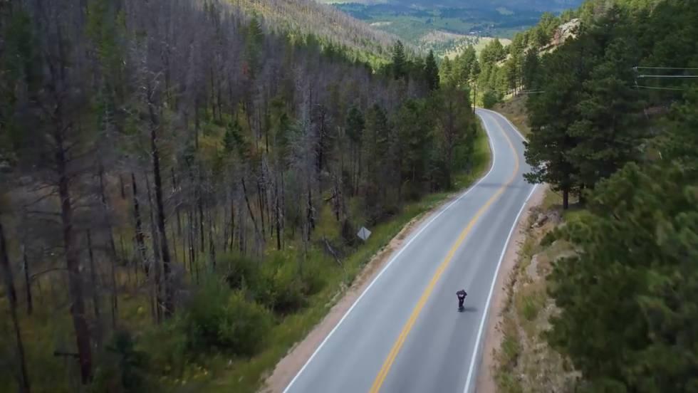 Vídeo: Récord de velocidad en patín: 144 kilómetros por hora ...