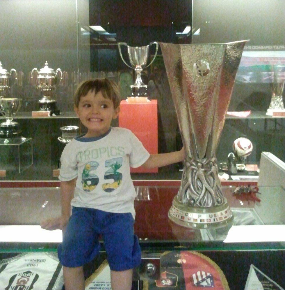 Mi nieto con la UEFA Europa League