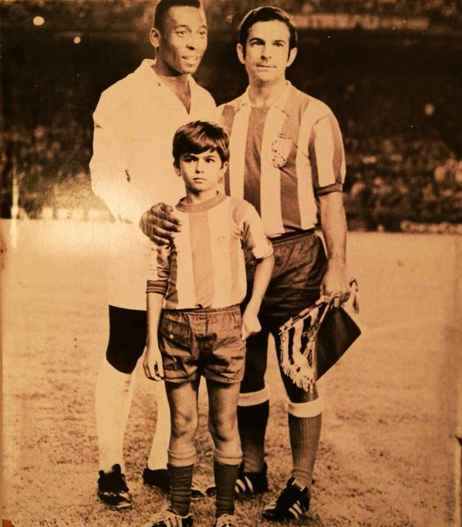 Mi abuelo con Pelé en el 69
