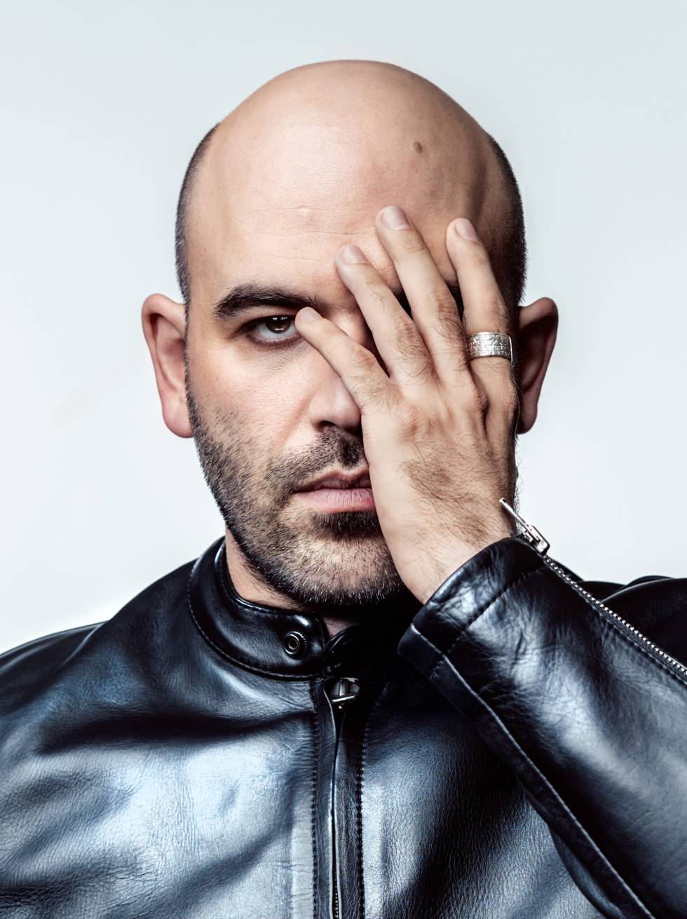 """Crime books: Roberto Saviano: """"Criminals model themselves after my"""