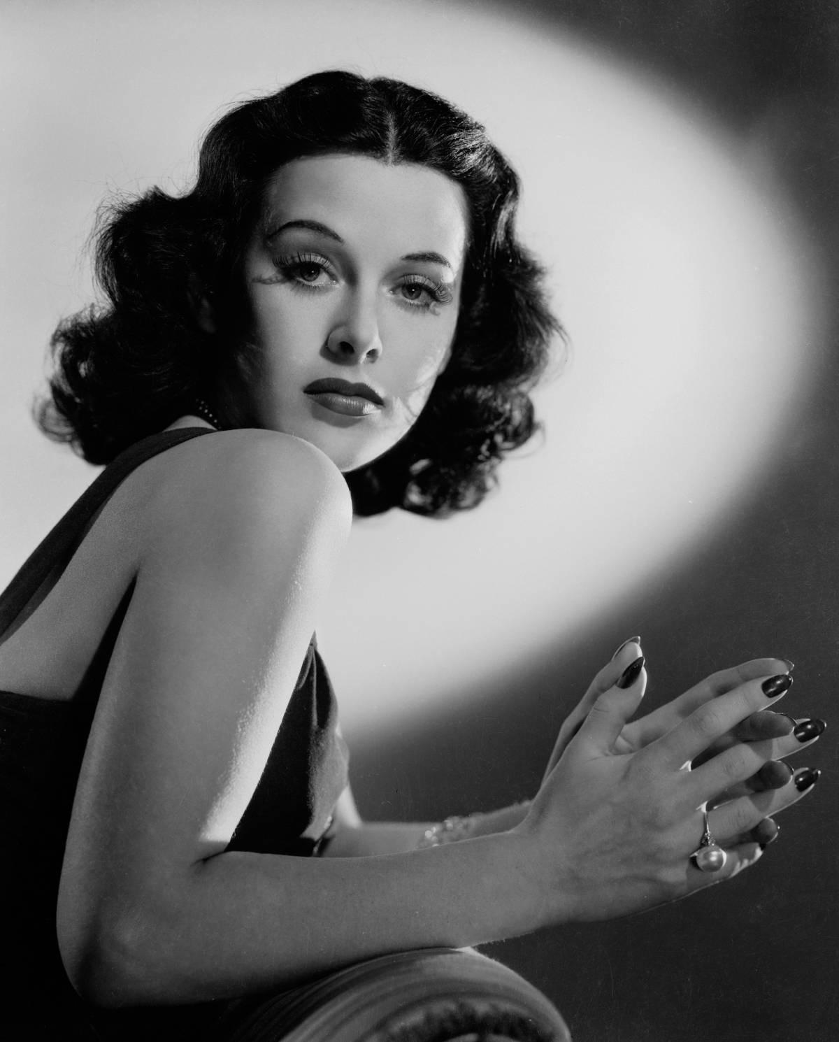 Hedy Lamarr Estrella Inventora Y Precursora De La Wifi