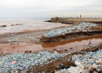 Cazadores de plásticos en el Mare Nostrum
