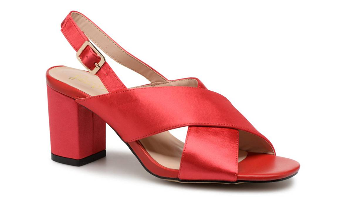 La era de las sandalias cómodas: 12 tendencias para llevar