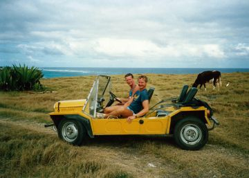 La historia del coche que pasó de la trinchera a la playa