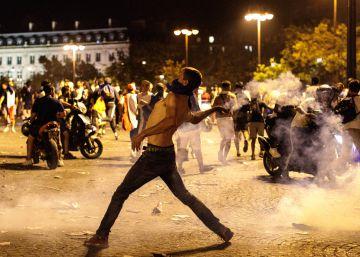 Disturbios en París durante la celebración de la victoria de Francia en el Mundial, en imágenes