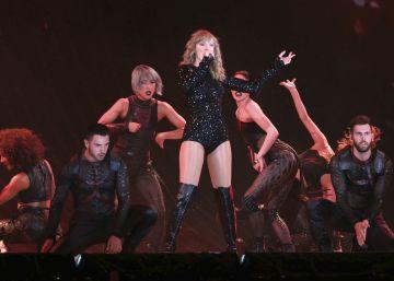 Taylor Swift detiene un concierto para recordar su victoria en el juicio por acoso sexual