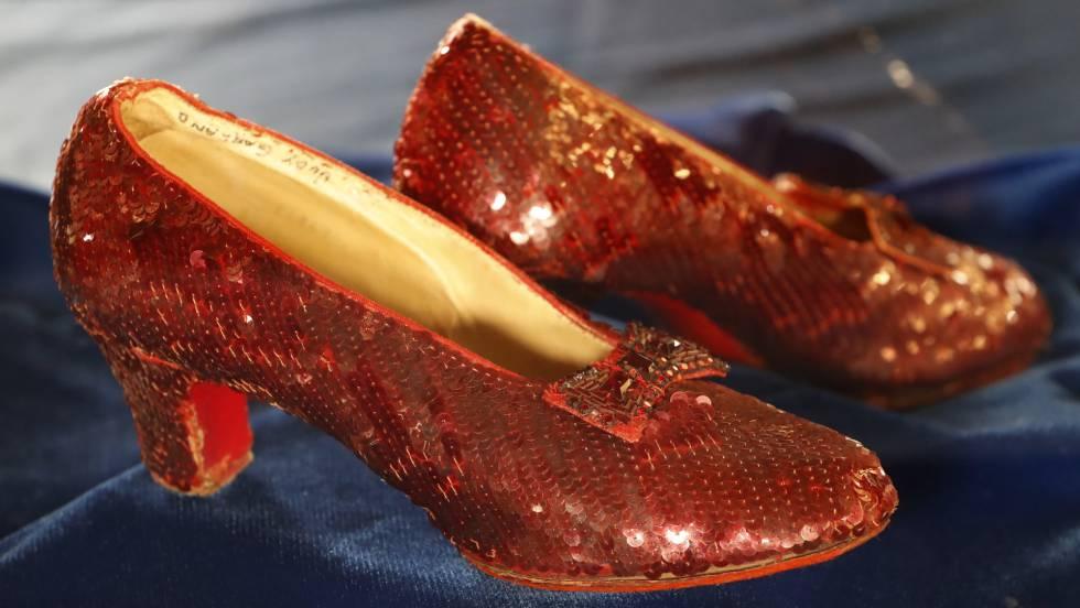 Garland Mago Los 'el Rojos Fbi El En Zapatos Recupera Judy De Oz 0q7AwvZ7