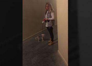 Una mujer blanca bloquea la entrada a su vecino negro en EE UU