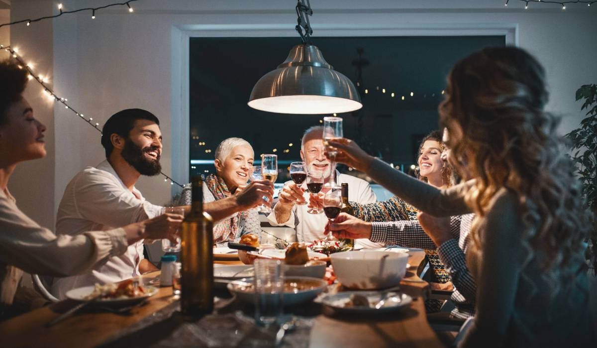 Ocho psicólogos cuentan qué temas evitarán en sus cenas de Navidad. ¿Te atreverías tú a sacarlos?