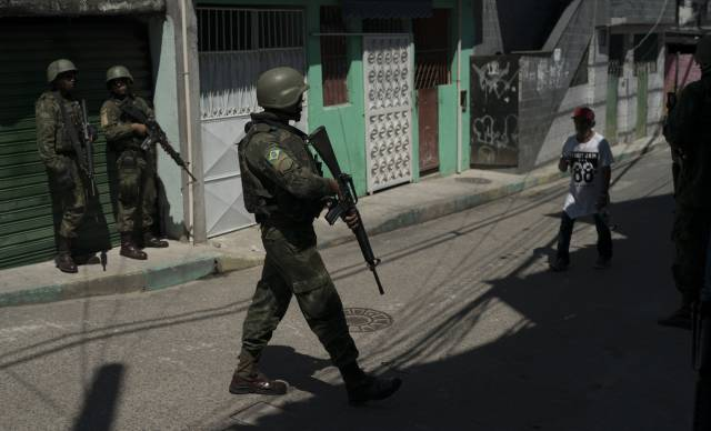 Recorde de mortes por policiais marca fim da intervenção no Rio