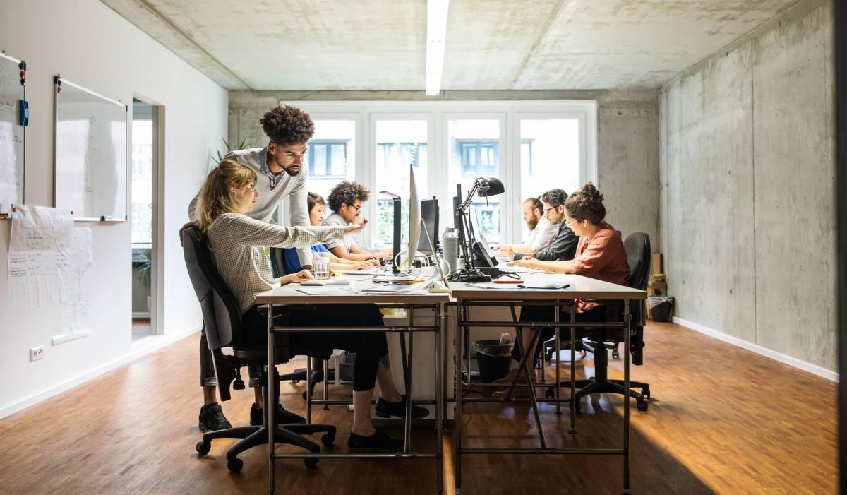 No le enseñes a tu jefe este estudio, o podrías acabar trabajando ocho horas de pie