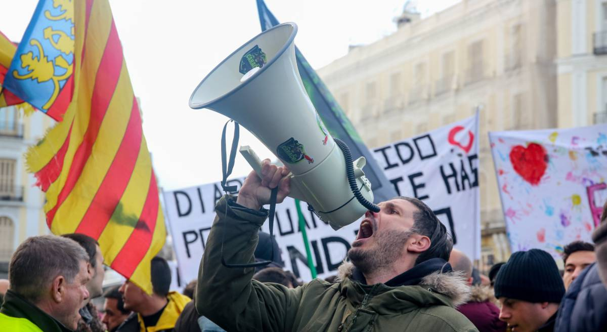 Taxis vs Uber in Spain: A war between very similar enemies