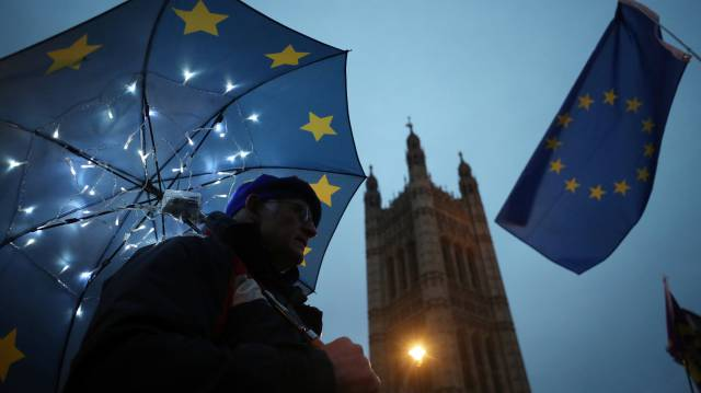 Aeroporto parado e falta de comida, as faturas do Brexit sem acordo