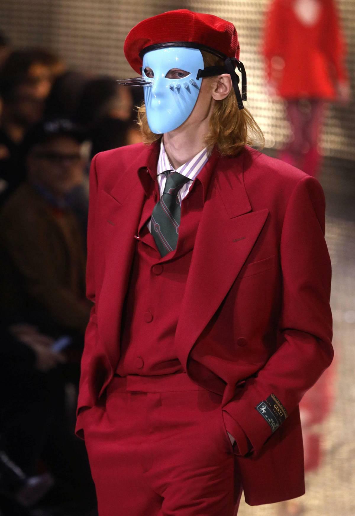 Fuera máscaras en Milán  d11e11d49b2