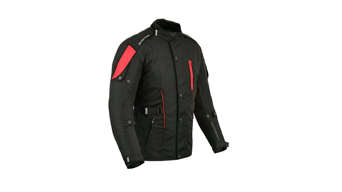 2827ae89226 15 prendas y accesorios para cuidar la moto y conducir con seguridad ...