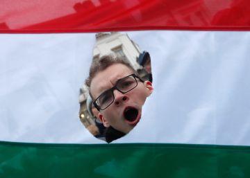 Por qué Hungría se rinde a Orbán