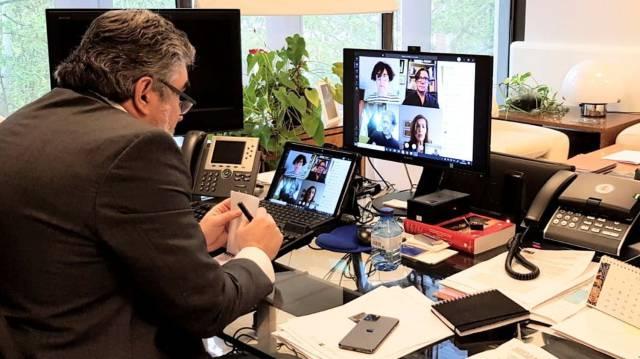 Un plan ADO para el audiovisual y que las televisiones compren cine español y europeo, ideas ofrecidas por el sector del cine al ministro de Cultura