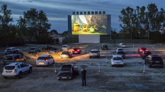 """Vuelve la pantalla grande tras dos meses de ayuno: """"El cine y la vida tienen que continuar"""""""