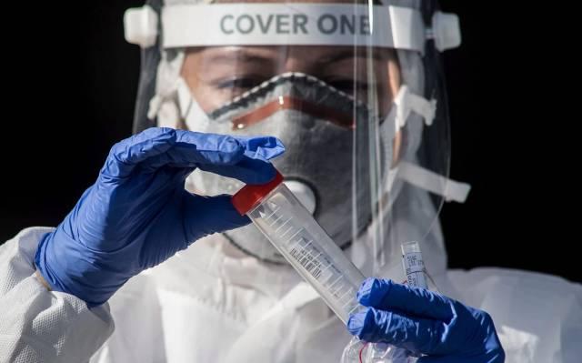 ¿Es cierto que el virus SARS-CoV-2 está perdiendo virulencia?