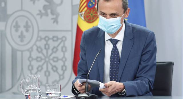 """Pedro Duque calcula que España tendrá dosis de vacuna contra la covid """"a principios del año que viene"""""""