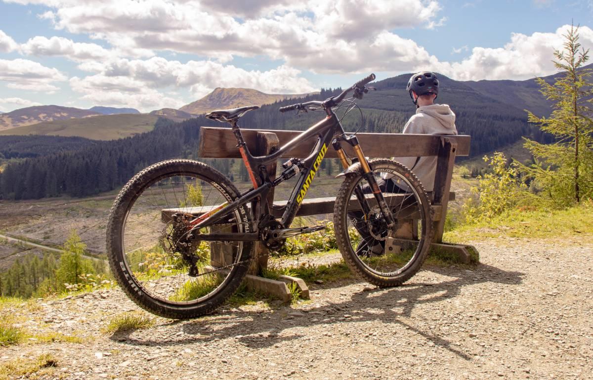 ¿Sol y vacaciones? Es hora de sacar la bicicleta de casa y ponerla a punto con estos accesorios baratos