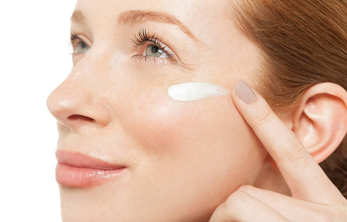 El contorno de ojos con retinol que arrasa en Amazon y ayuda a evitar arrugas y ojeras