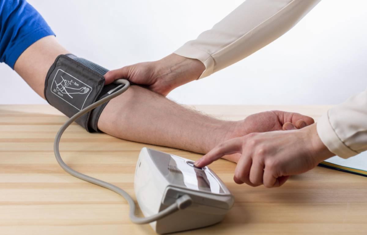 El tensiómetro digital que necesitas en casa para cuidar tu salud y evitar sustos innecesarios