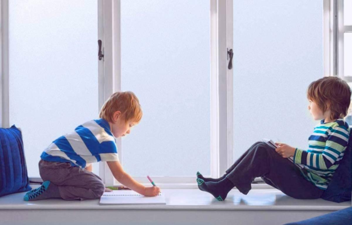 Cuida la intimidad en casa con el vinilo para ventanas más vendido en Amazon