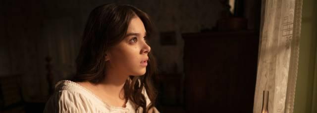 'Dickinson': Alucinógeno retrato de la poeta adolescente