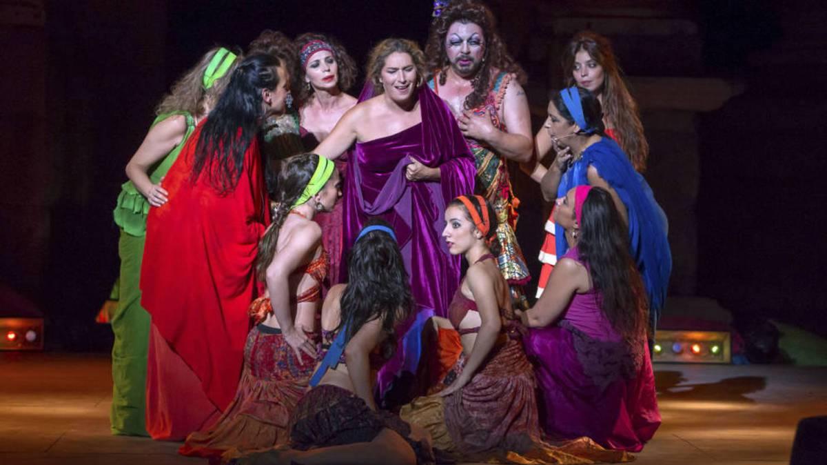 Insultos, palizas y violaciones: la violencia machista que esconde el teatro clásico