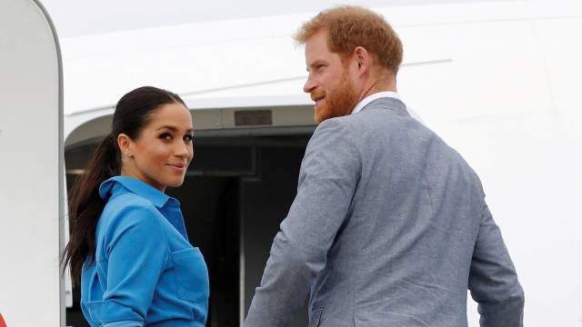 Harry e Meghan Markle dão adeus definitivo à família real