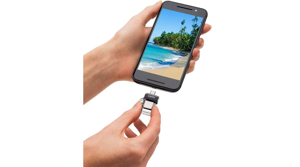 Conector con puerto micro-USB y USB 3.0 por 15,99 €
