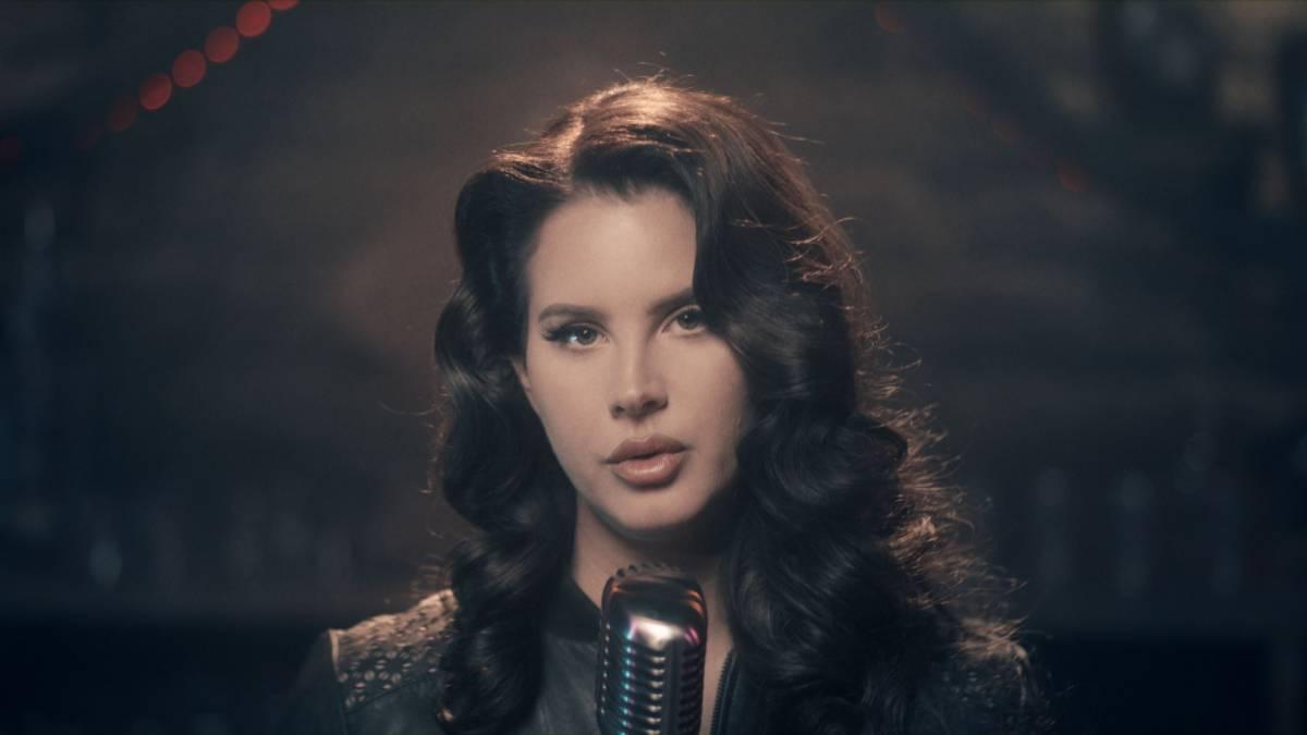 Lana Del Rey no conduce coches eléctricos