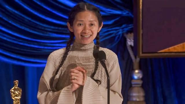 Chloé Zhao hace historia en los Oscar pero no en China