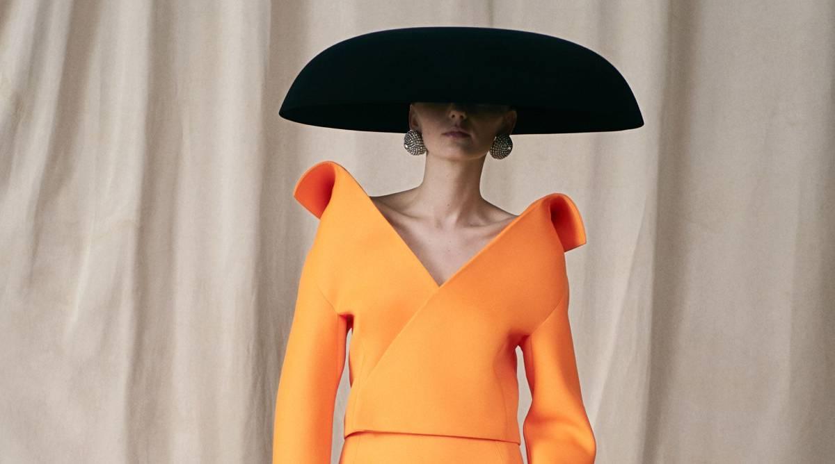 El diseñador que devolvió la alta costura a Balenciaga