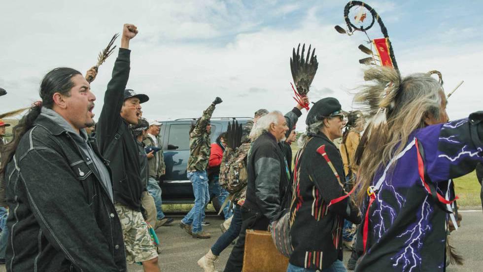 El Gobierno estadounidense frena temporalmente el oleoducto cercano a una  reserva indígena   Estados Unidos   EL PAÍS
