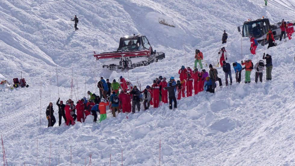 Resultado de imagen para Avalancha mata a tres esquiadores en Francia