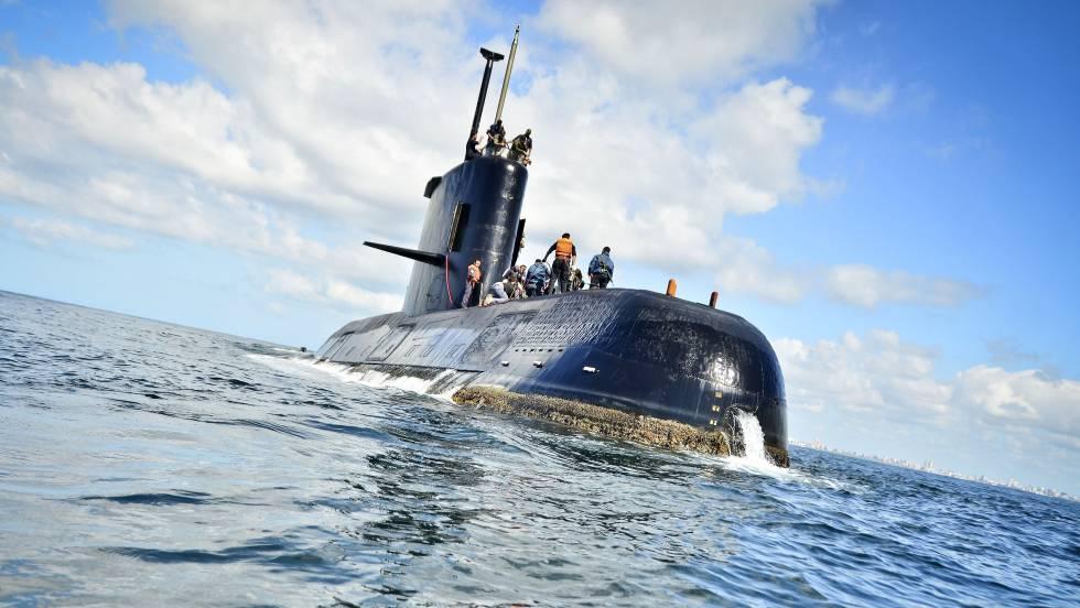 Resultado de imagen para Argentina busca desde el miércoles un submarino desaparecido con 44 tripulantes a bordo