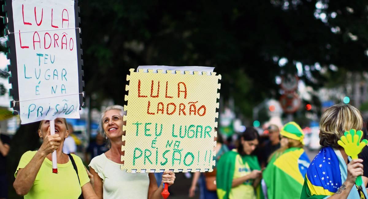 La tensión política deriva en una escalada violenta en Brasil