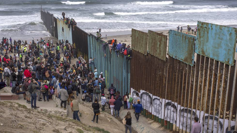 Resultado de imagen para migrantes hondureños represion en frontera eeuu