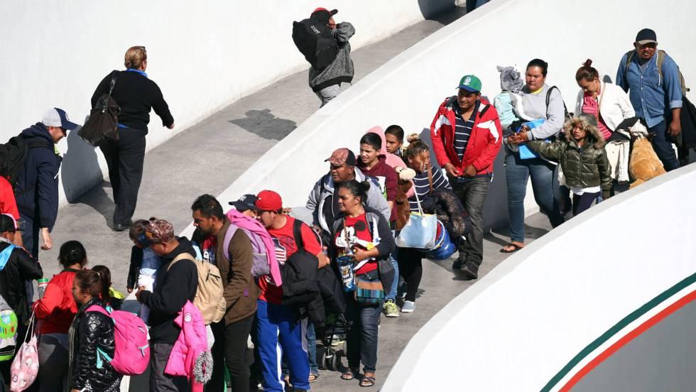 Estados Unidos recibe a todos los miembros de la caravana migrante que  acamparon en Tijuana   Internacional   EL PAÍS