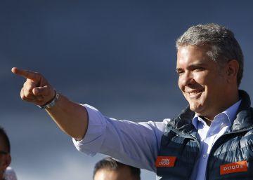 Iván Duque, entre el impulso y la sombra de Uribe