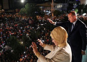 Erdogan asume todo el poder en una Turquía polarizada en las urnas